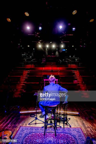 Tim Knol performs live in quarantine concert at Rietveld Theater. Today Tim Knol performed in an empty Rietveld Theatre in Delft. Those who bought...