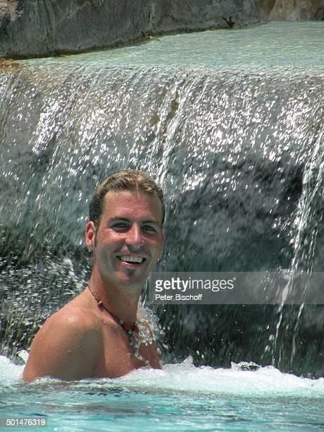 Tim KrügerBockelmann Hotel Severin Sea Lodge Mombasa Nordküste Kenia Afrika Urlaub Pool Swimmingpool Wasserfall Schauspieler Promi BB CD PNr 2168/2008