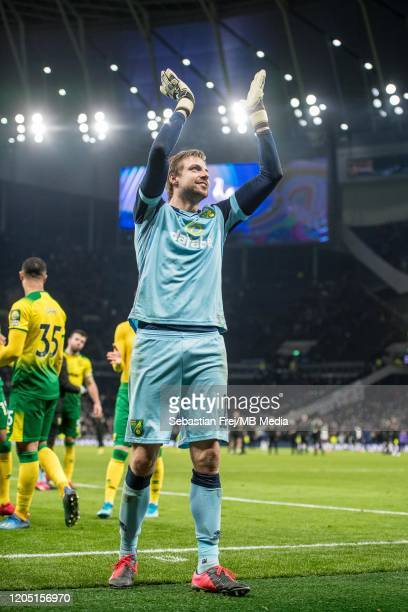 Tim Krul of Norwich City celebrates winning the FA Cup Fifth Round match between Tottenham Hotspur and Norwich City at Tottenham Hotspur Stadium on...