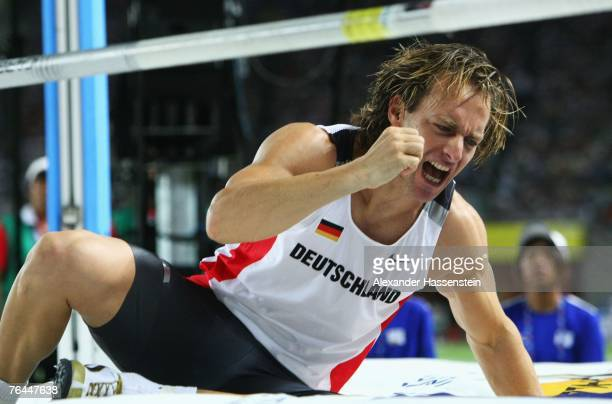 Tim Lobinger of Germany reacts to an attempt while competing in the Men's Pole Vault Final on day eight of the 11th IAAF World Athletics...
