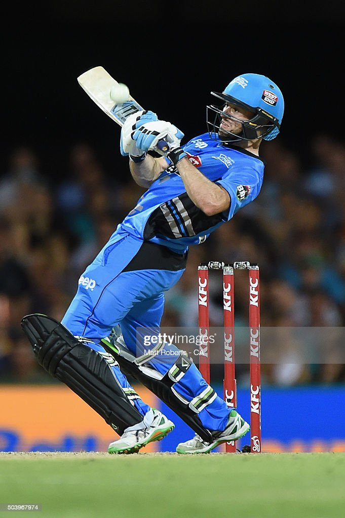 Tim Ludeman of the Strikers bats during the Big Bash League match between the Brisbane Heat and the Adelaide Strikers at The Gabba on January 8, 2016 in Brisbane, Australia.
