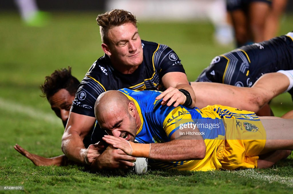 Tim Mannah of the Eels scores a try during the round nine NRL match between the North Queensland Cowboys and the Parramatta Eels at 1300SMILES Stadium on April 28, 2017 in Townsville, Australia.