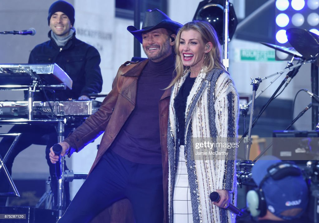 Tim McGraw & Faith Hill Perform On NBC's Today : News Photo