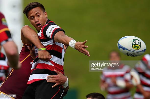 Tim Nanai-Williams of Counties offloads the ball during the ITM Cup Championship Semifinal match between Counties Manukau and Southland at ECOLight...