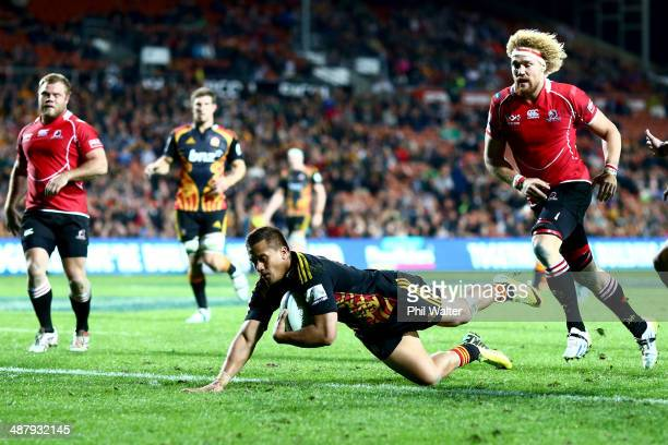 Tim NanaiWilliams of the Chiefs scores a try during the round 12 Super Rugby match between the Chiefs and the Lions at Waikato Stadium on May 3 2014...