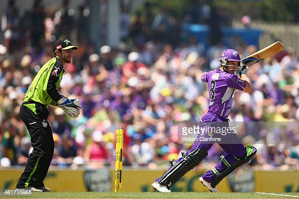 Tim Paine of the Hurricanes bats during the Big Bash League match between the Hobart Hurricanes and Sydney Thunder at Blundstone Arena on January 11...