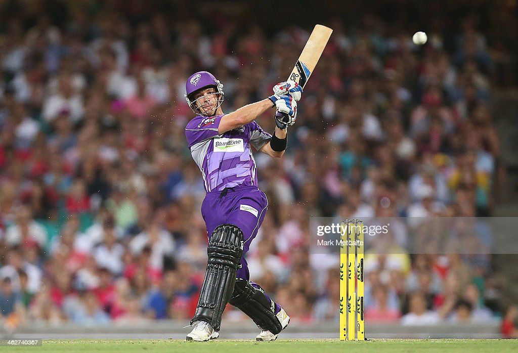 Tim Paine of the Hurricanes bats during the Big Bash League match between the Sydney Sixers and the Hobart Hurricanes at SCG on January 15, 2014 in Sydney, Australia.