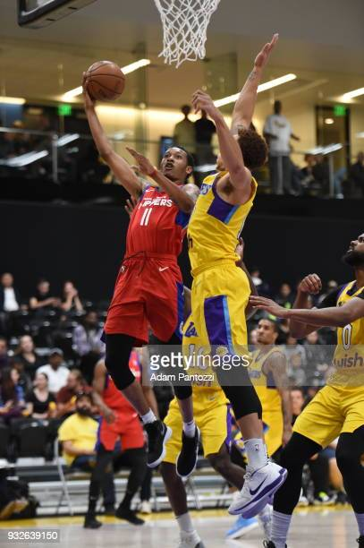 Tim Quarterman of the Agua Caliente Clippers drives to the basket during against the South Bay Lakers during an NBA GLeague game on March 15 2018 at...