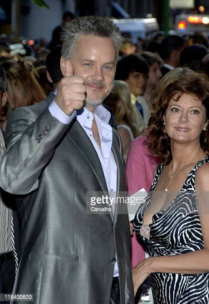Tim Robbins and Susan Sarandon during 'War of the Worlds' New York City Premiere Arrivals at Ziegfield Theater in New York City New York United States