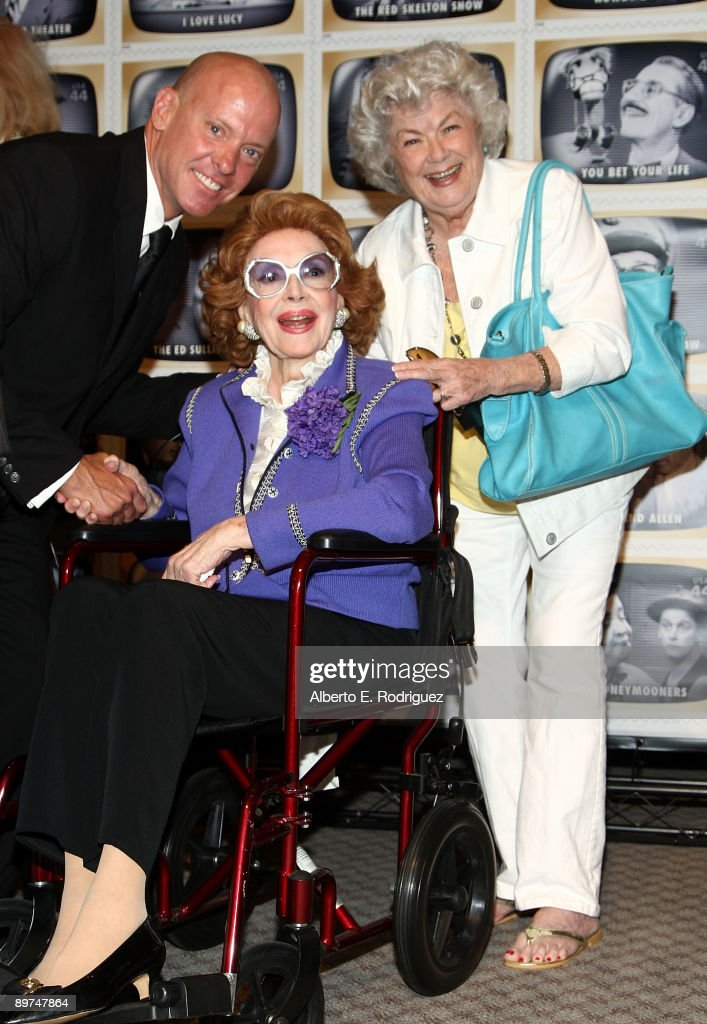 Tim Tallman, actress Jayne Meadows Allen and actress Barbara Hale attend the Early TV Memories First-Class stamp dedication ceremony held at the Academy of Television Arts and Sciences on August 11, 2009 in North Hollywood, California.
