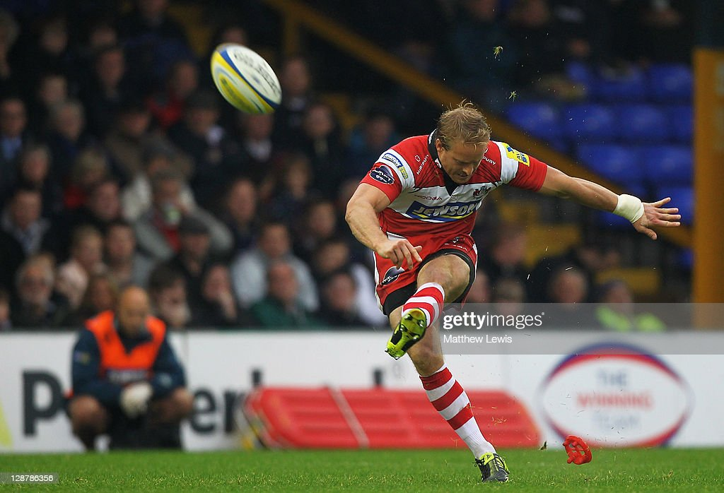 Tim Taylor of Gloucester kicks a penalty during the AVIVA Premiership match between Sale Sharks and Gloucester at Edgeley Park on October 8, 2011 in Stockport, England.