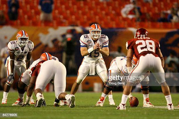 Tim Tebow of the Florida Gators awaits the snap in the shotgun formation against the Oklahoma Sooners during the FedEx BCS National Championship game...