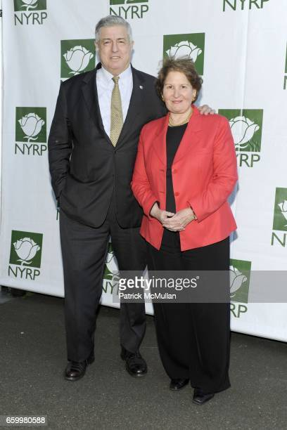 Tim Zagat and Nina Zagat attend BETTE MIDLER'S NEW YORK RESTORATION PROJECT at New Leaf Restaurant and Bar on May 19 2009 in New York City