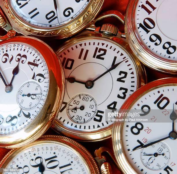 time after time - groupe moyen d'objets photos et images de collection