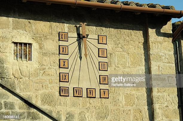 time - algarismo romano imagens e fotografias de stock