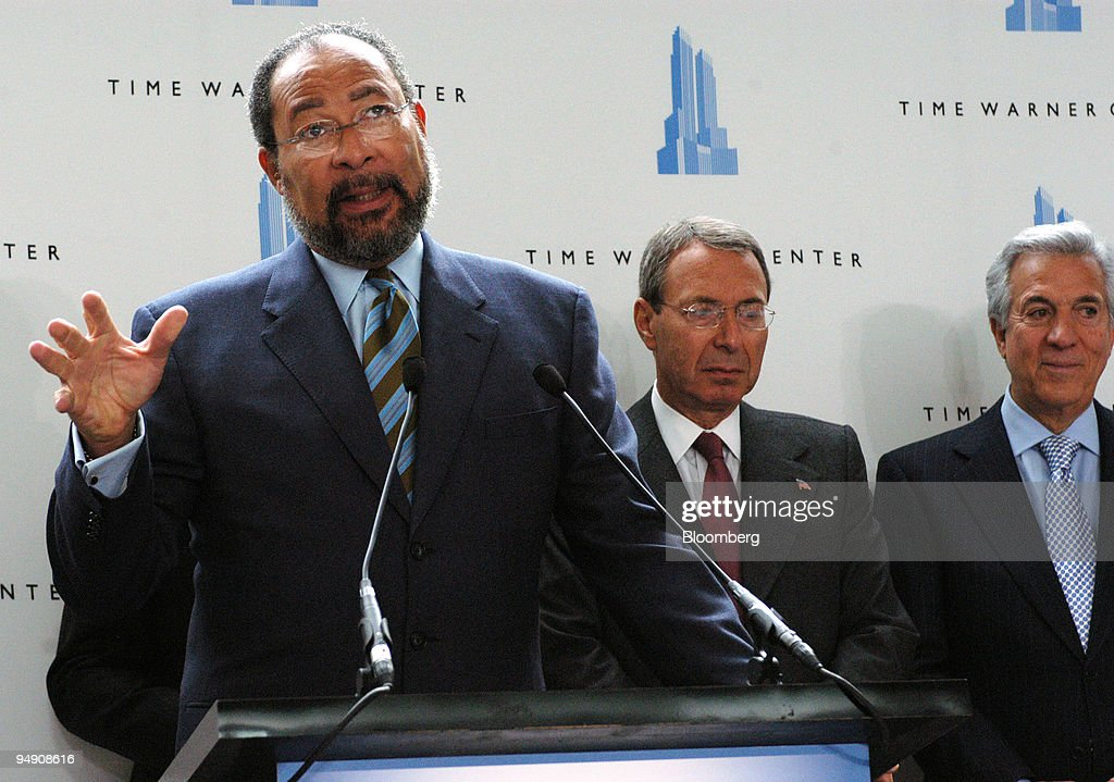 time warner chairman ceo richard parsons left speaks at pictures