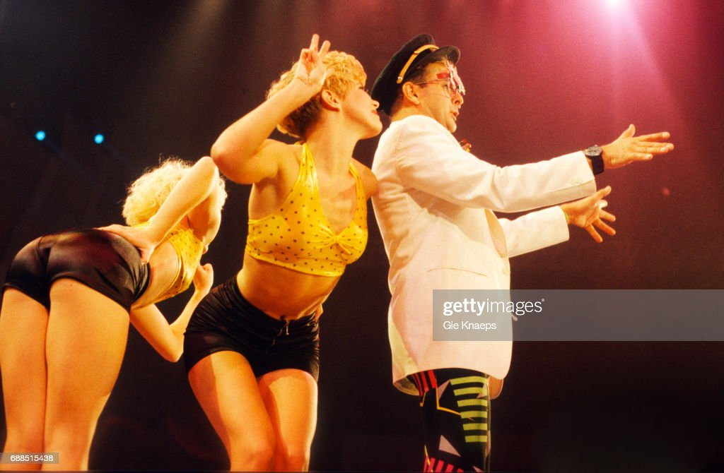 Timmy Mallett, Dawn Andrews, Annie Dunkley, Bombalurina, Diamond Awards Festival, Sportpaleis, Antwerpen, Belgium, 1990.