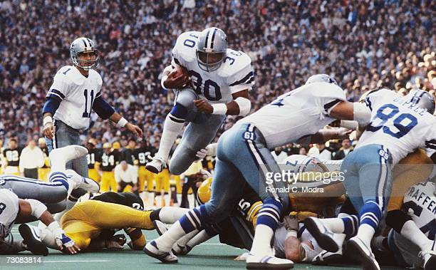 Timmy Newsome of the Dallas Cowboys scores a touchdown in the NFC Divisional Playoff Game against the Green Bay Packers on January 16 l983 in Dallas...