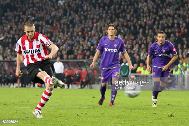 Timmy Simons of PSV Eindhoven misses a penalty during the UEFA Cup Quarter Final between PSV Eindhoven and Fiorentina at the Phillips Stadium on...