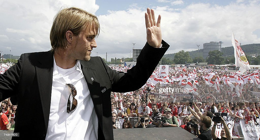Timo Hildebrand of VfB Stuttgart arrives at the Stuttgart Fan Mile at the Cannstatter Wasen on May 27, 2007 in Stuttgart, Germany. Thousands of fans appeared to greet the team the day after they won the 2nd place in the DFB Cup 2007 match in Berlin.