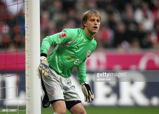 Timo HILDEBRAND Torhüter VfB Stuttgart D steht am Torpfosten