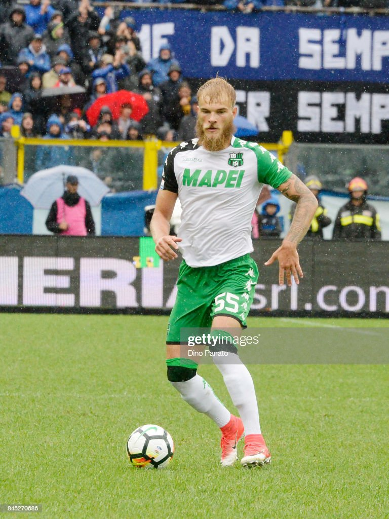 Timo Letschert of Us Sassuolo in action during the Serie A match between Atalanta BC and US Sassuolo at Stadio Atleti Azzurri d'Italia on September 10, 2017 in Bergamo, Italy.