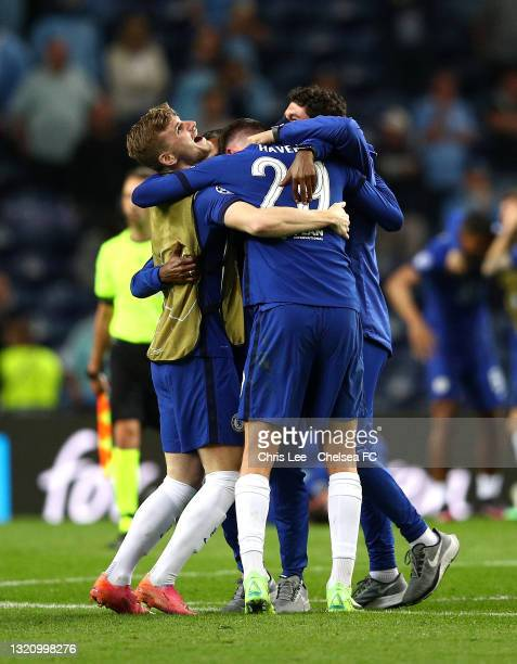 Timo Werner of Chelsea celebrates winning with team mates during the UEFA Champions League Final between Manchester City and Chelsea FC at Estadio do...