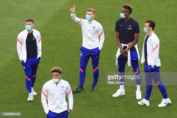 Timo Werner of Chelsea shows appreciation to the fans during a pitch inspection prior to the UEFA Champions League Final between Manchester City and...