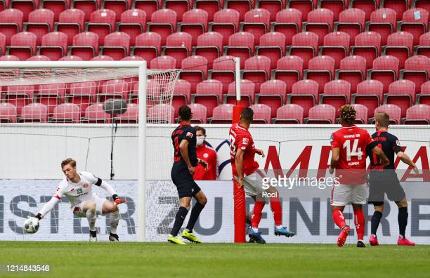Timo Werner of RB Leipzig scores his sides first goal during the Bundesliga match between 1. FSV Mainz 05 and RB Leipzig at Opel Arena on May 24,...