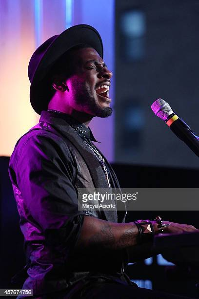 Timothy Bloom attends AOL BUILD Series Presents: Musician, Timothy Bloom at AOL Studios on October 22, 2014 in New York City.