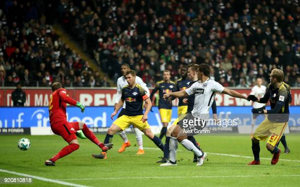 Timothy Chandler of Frankfurt scores the equalizing goal during the Bundesliga match between Eintracht Frankfurt and RB Leipzig at CommerzbankArena...