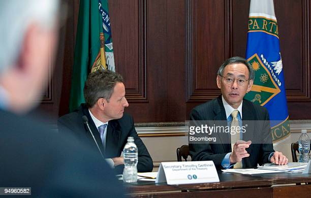 Timothy Geithner US treasury secretary left listens as Steven Chu energy secretary announces cash awards for renewable energy projects at the...