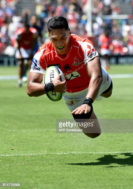 Timothy Lafaele of the Sunwolves dives for a try during the Super Rugby match between the Sunwolves of Japan and the Blues of New Zealand at Prince...