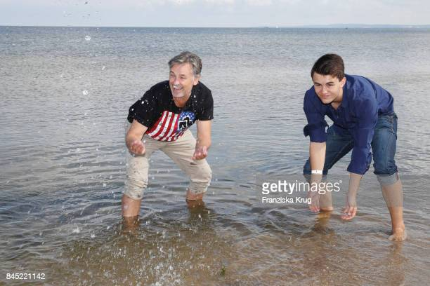 Timothy Peach and his son Nelson attend the Till Demtroeders CharityEvent 'Usedom Cross Country' at Seebruecke Ahlbeck on September 10 2017 near...
