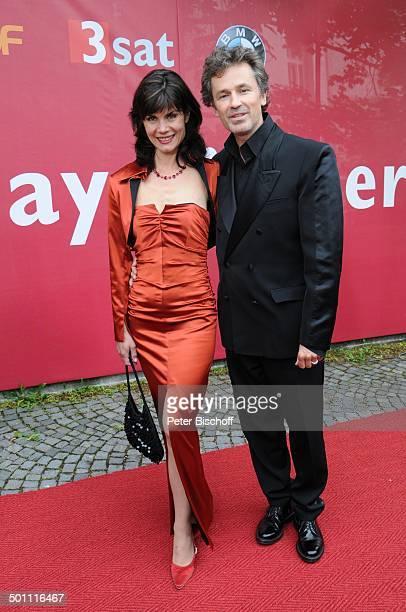 """Timothy Peach, Ehefrau Nicola Tiggeler, 21. Bayerischer Fernsehpreis 2009, Preis: """"Der Blaue Panther"""", Prinzregententheater, München, Bayern,..."""