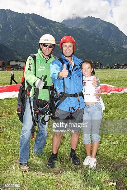 Timothy Peach Mit Tochter Tiffany Und Seinem Springpartner Beim Grossen Grenzverkehr In Mayrhofen Am 160607