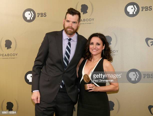 Timothy Simons and Julia LouisDreyfus pose with an award during The 76th Annual Peabody Awards Ceremony at Cipriani Wall Street on May 20 2017 in New...