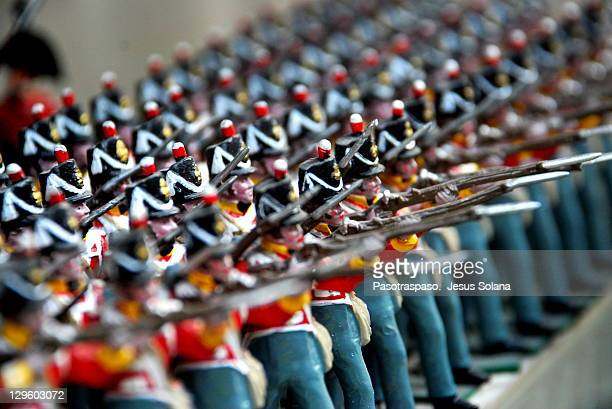 Tin Soldiers / small army