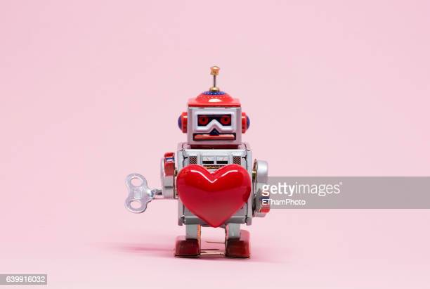 Tin Toy Robot in Love