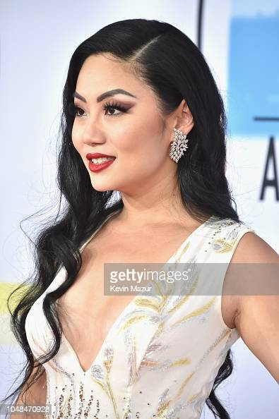 Tina Guo Attends The 2018 American Music Awards At