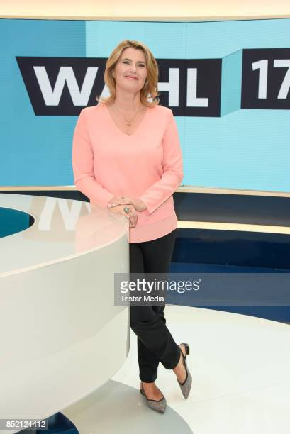 Tina Hassel during the 'Bundestagswahl' TV Show Photo Call on September 22 2017 in Berlin Germany