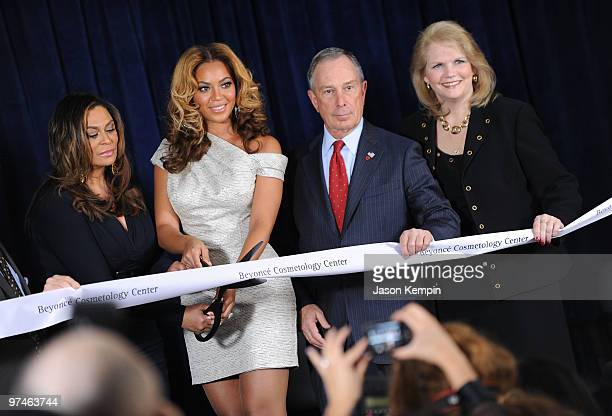 Tina Knowles Beyonce Knowles Michael Bloomberg and Karen M CarpenterPalumbo attend the unveiling of the Beyonce Cosmetology Center on March 5 2010 in...