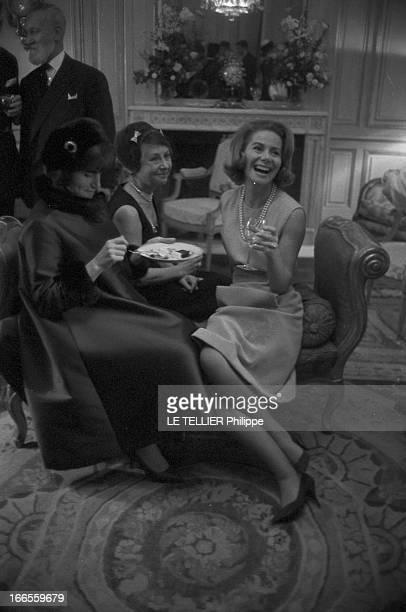 Tina Livanos Marries The Marquis Of Blandford. A Paris, dans un salon, lors de son mariage avec le britannique John marquis DE BLANDFORD, la grecque...