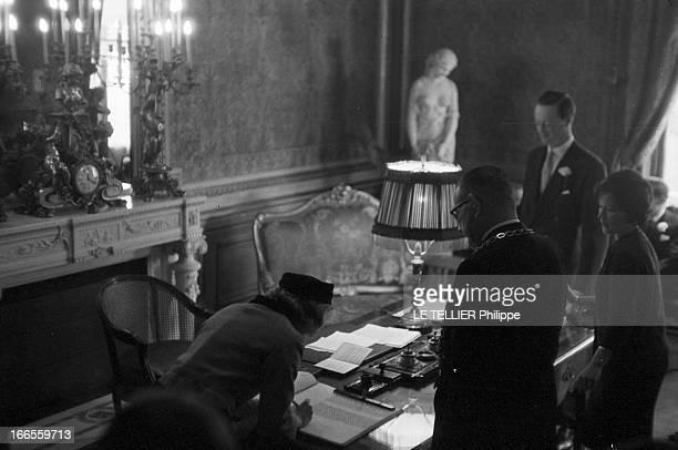 Tina Livanos Marries The Marquis Of Blandford A Paris dans une salle de mariage lors du mariage de la grecque Tina LIVANOS avec le britannique John...