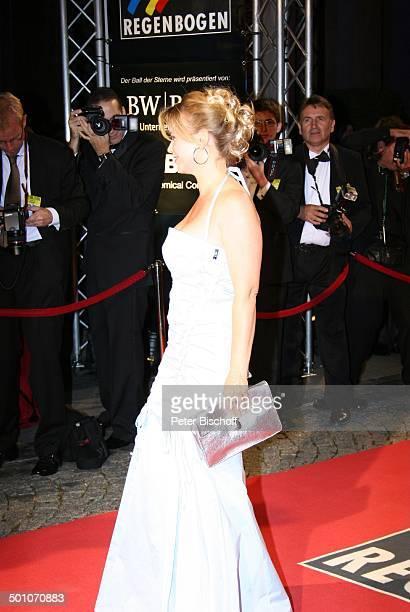Tina Ruland 18 RadioRegenbogenBenefizGala Ball der Sterne Motto El Tango Argentino Rosengarten Mannheim Deutschland roter Teppich Abendkleid...