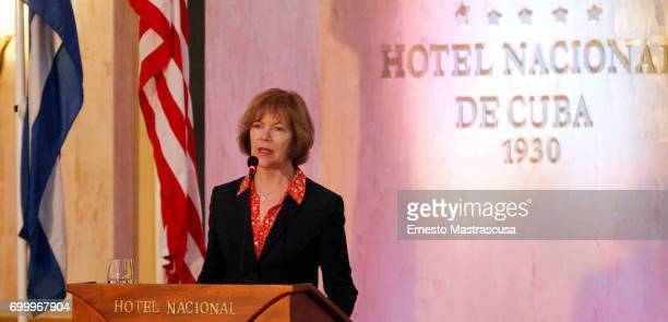 Tina Smith Vice Governor of Minnesota talks during a press conference as part of her official visit on June 22 2017 in Havanna Cuba This is the first...