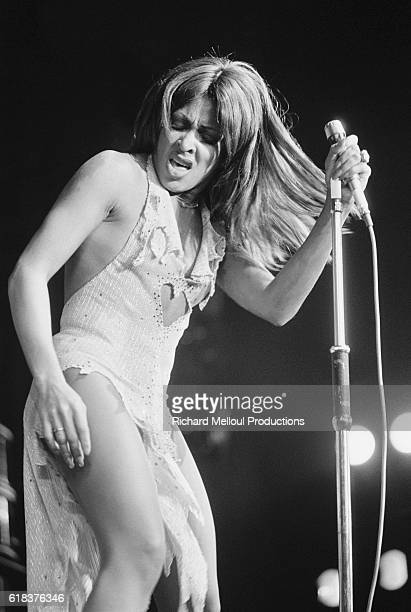 Tina Turner dances on stage during a 1975 concert at the Olympia in Paris