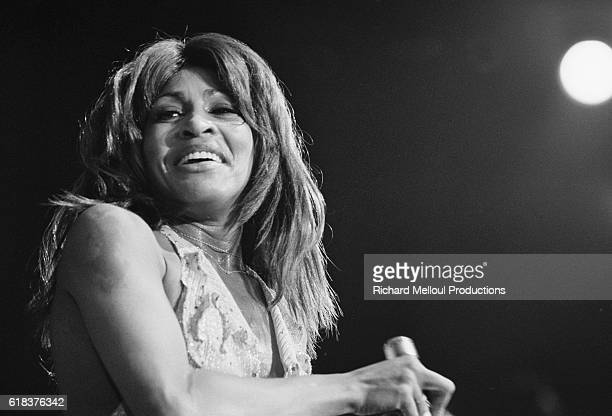 Tina Turner performs in a 1975 concert at the Olympia in Paris