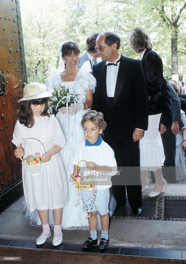 Tina York, Ehemann Michael Kudritzky, Gäste,,  Hochzeit, Berlin, Deutschland, Europa : Nachrichtenfoto