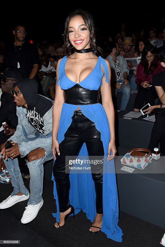 Jeremy Scott - Front Row - September 2016 - New York Fashion Week: The Shows